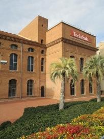 Vista exterior de la Biblioteca Tecla Sala